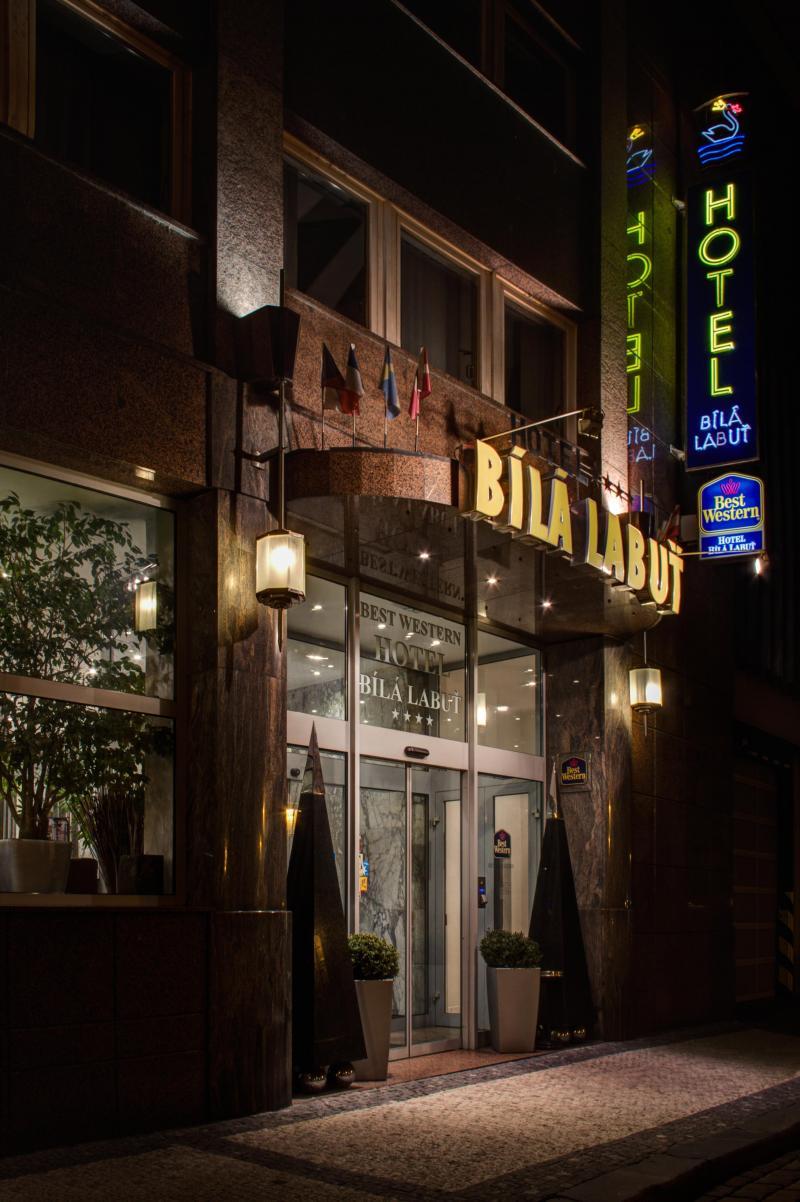 Bila labut hotel prague photogallery for Hotel top praga